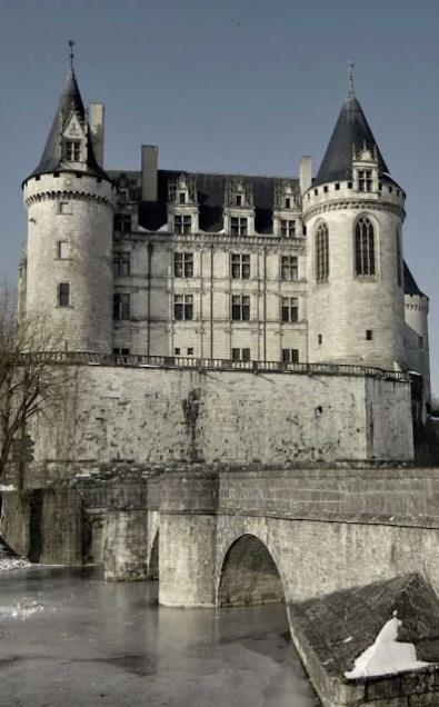 Castelo de La Rochefoucauld viu mil invernos da mesma família