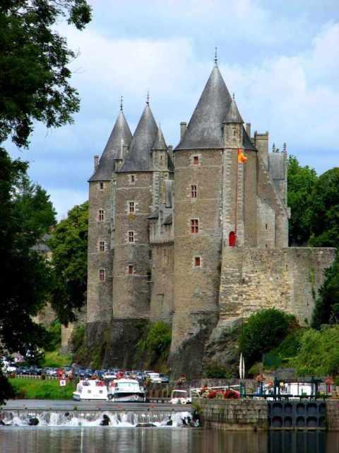 Castelo de Josselin renaceu várias vezes
