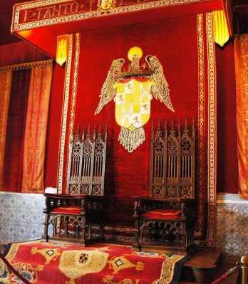"""Segovia: tronos de Fernando e Isabel, primeiros """"Reis Católicos"""""""