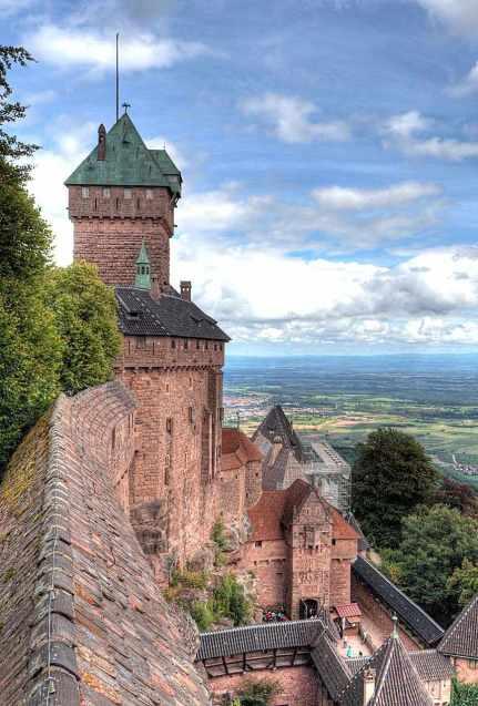 Haut-Kœnigsbourg: imponente fortaleza protege vales e estradas